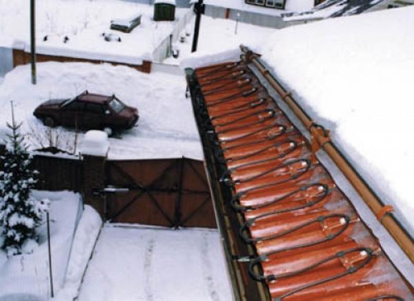 Фото чистки крыш от снега
